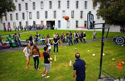 Deakin University sports.