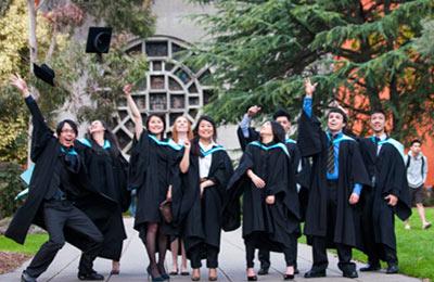 Monash Uni graduates